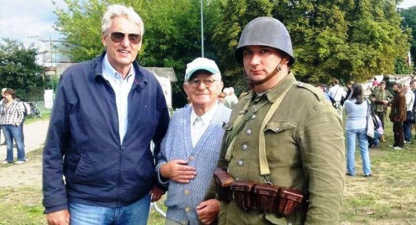 """Stowarzyszenia, """"Dziesiątacy"""" pożegnali żołnierza Września - zdjęcie, fotografia"""