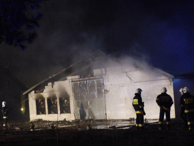 Straż Pożarna, Strażacy ustalili prawdopodobną przyczynę pożaru Niedźwiadzie - zdjęcie, fotografia