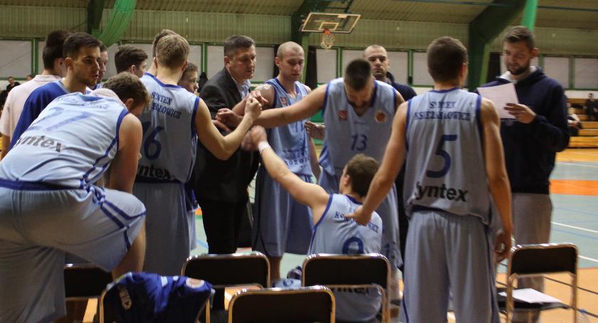 Koszykówka, Wielkie emocje meczu Synteksu Księżaka! Karol Dębski bohaterem - zdjęcie, fotografia