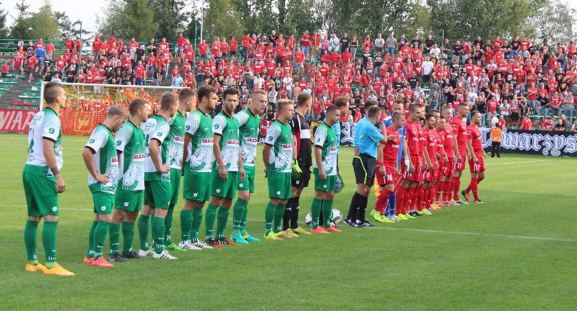 Piłka nożna, Rusza przedsprzedaż biletów Pelikana Widzewem - zdjęcie, fotografia