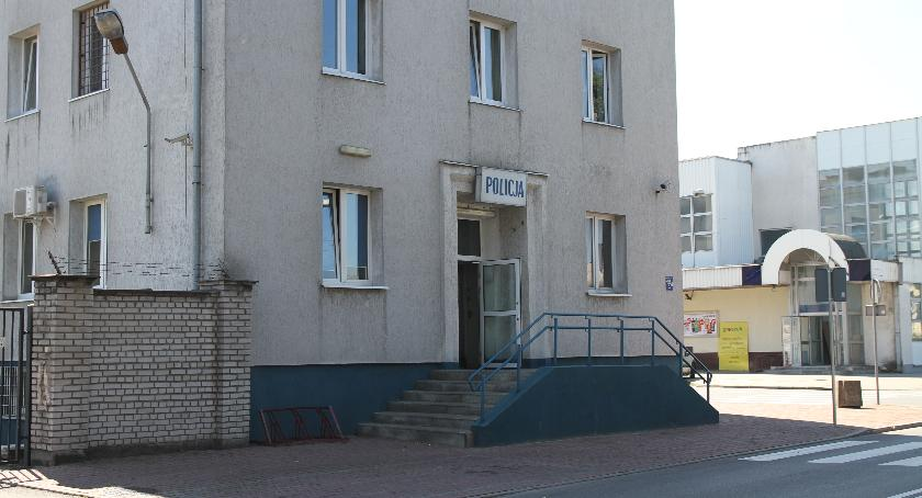 Kronika policyjna, Łowicz ponad osób ukaranych picie alkoholu miejscu publicznym - zdjęcie, fotografia