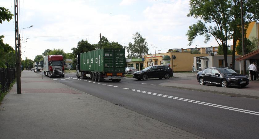 Urząd Miejski, Łowiccy radni popierają starania mieszkańców budowy obwodnicy - zdjęcie, fotografia