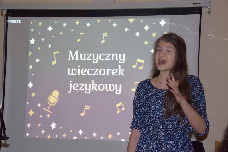 Edukacja, Językowy Wieczorek Muzyczny - zdjęcie, fotografia