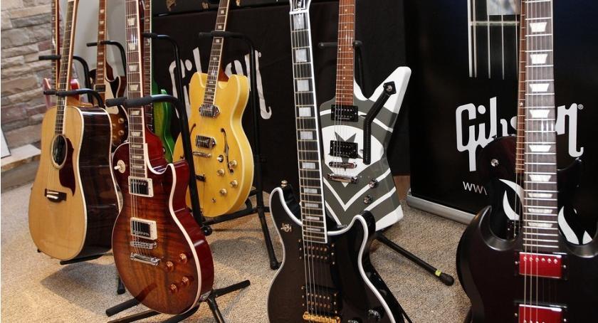 Art. sponsorowany, grać gitarze Gibson składa wniosek upadłość - zdjęcie, fotografia