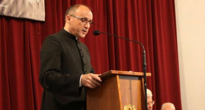 Kościół, Zmiany personalne diecezji łowickiej rektor Łowiczu - zdjęcie, fotografia