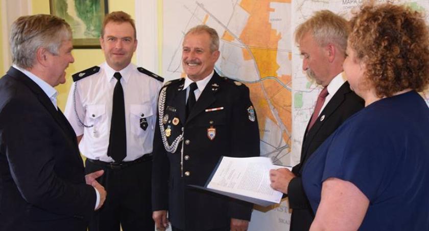 Gospodarka, Marszałek Stepień rozdawał granty dofinansowania Skorzystał Łowicz - zdjęcie, fotografia