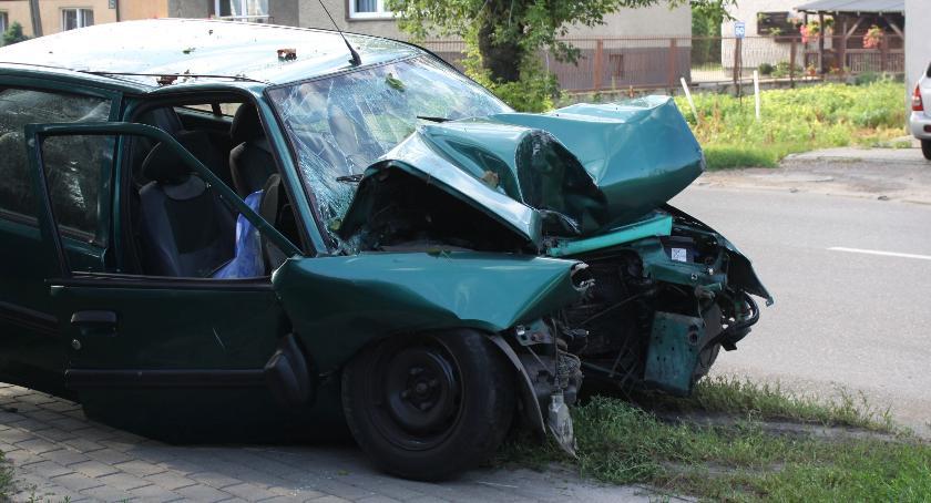 Wypadki i kolizje, Wypadek Łowiczu Ranny letni mężczyzna - zdjęcie, fotografia