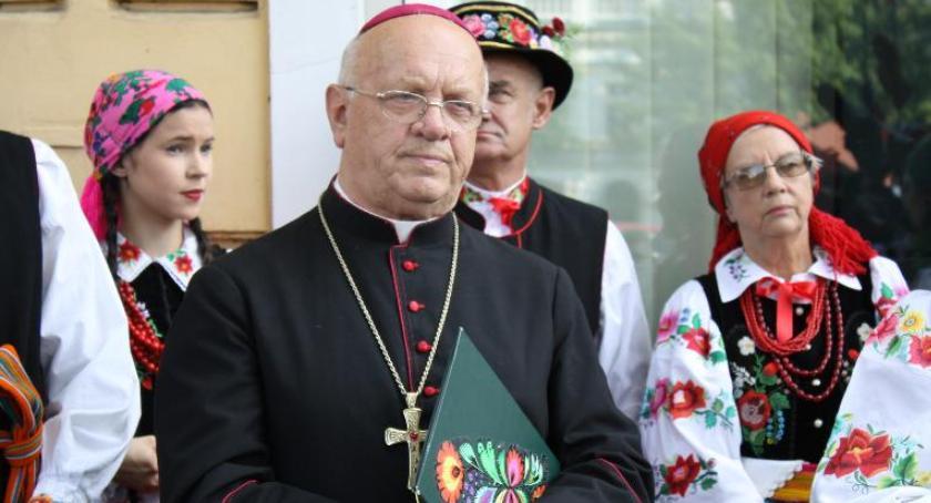 Kościół, Biskup Zawitkowski został wybudzony śpiączki - zdjęcie, fotografia