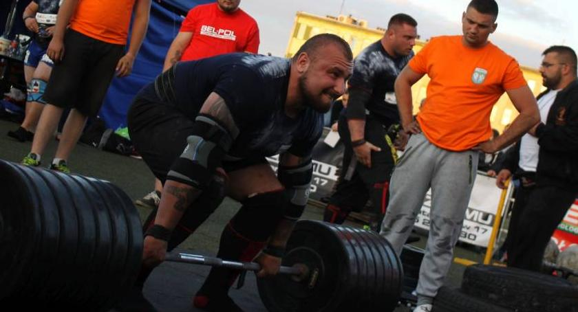 Inne, Konrad Karwat medalem mistrzostw świata strongman - zdjęcie, fotografia