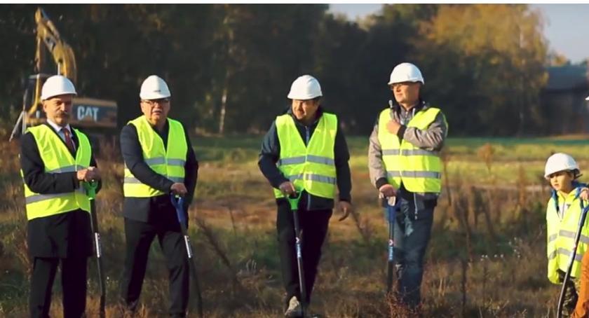 Gospodarka, Ruszyła budowa fabryki Korabce - zdjęcie, fotografia