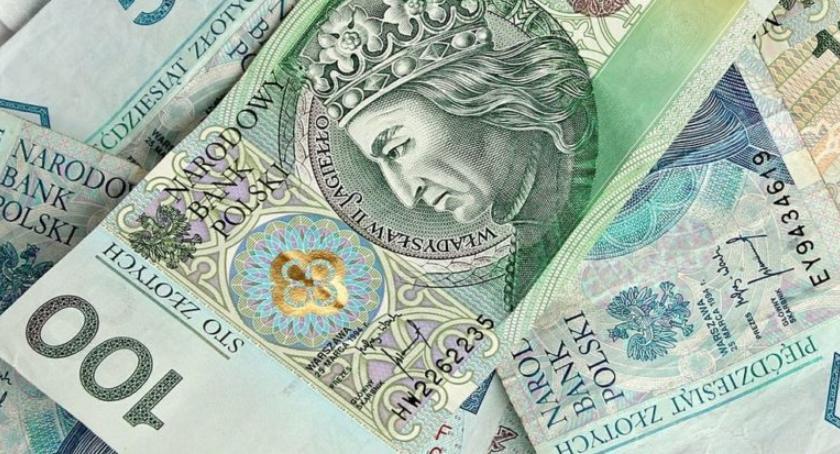 Porady prawne, zasady wypłaty wynagrodzeń - zdjęcie, fotografia