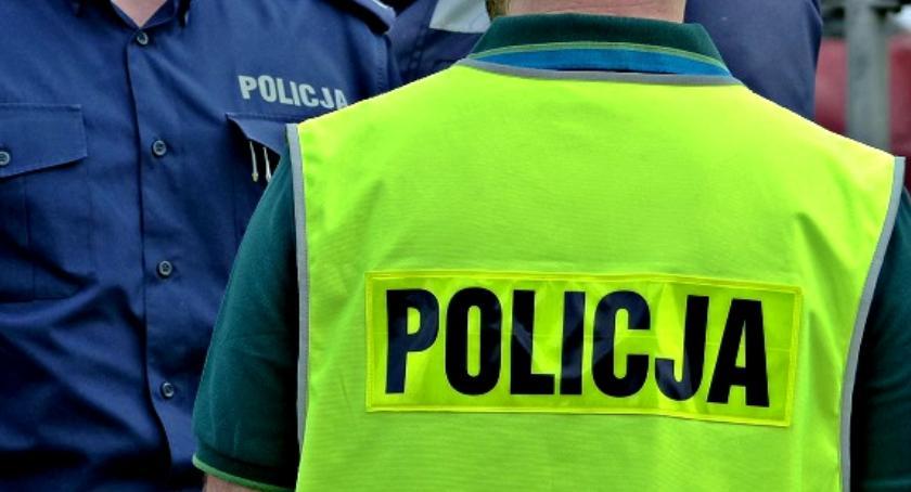 Kronika policyjna, Policjanci uratowali latka - zdjęcie, fotografia