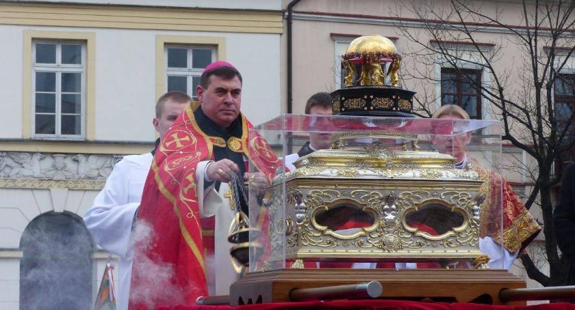 Kościół, Uroczystości Wiktorii Łowiczu - zdjęcie, fotografia
