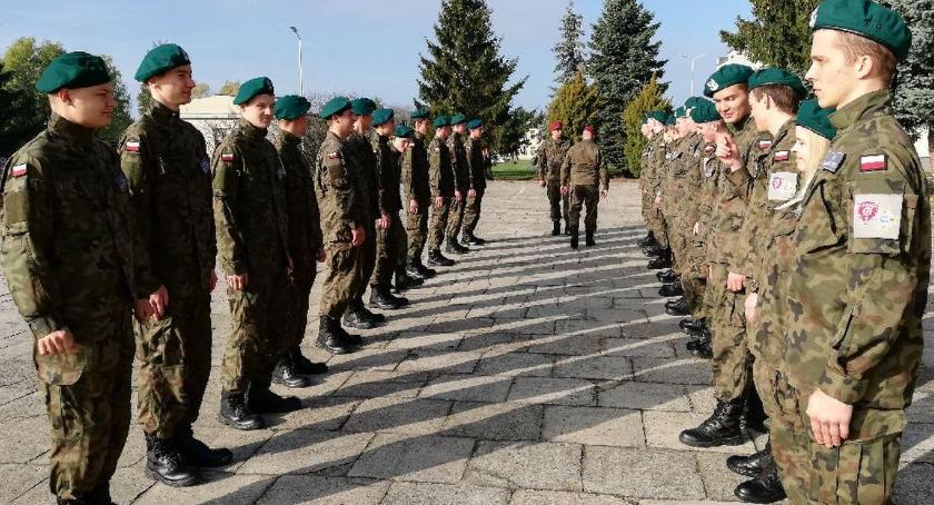 Edukacja, Musztra okiem żołnierzy - zdjęcie, fotografia