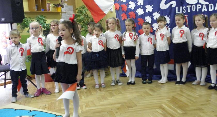 Edukacja, Uroczystości patriotyczne Przedszkolu Łowiczu - zdjęcie, fotografia