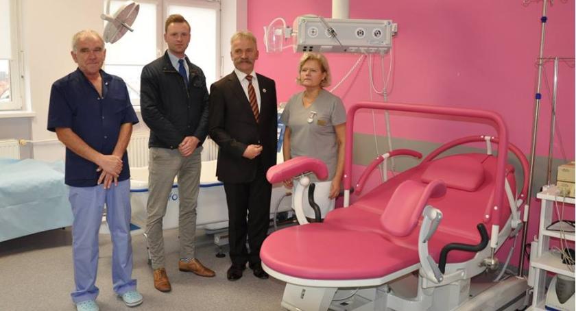 Szpital i opieka społeczna, łóżka porodowe łowickiego szpitala - zdjęcie, fotografia