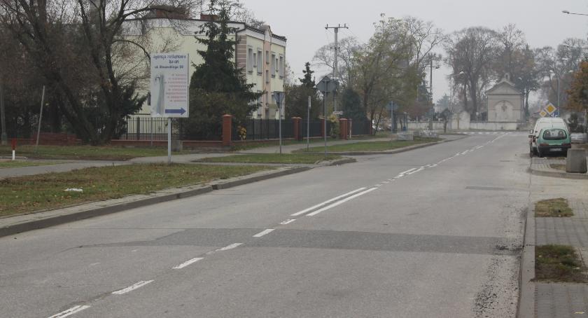 Inwestycje, Miasto dotacją budowę ścieżki pieszo rowerowej przebudowę Topolowej - zdjęcie, fotografia