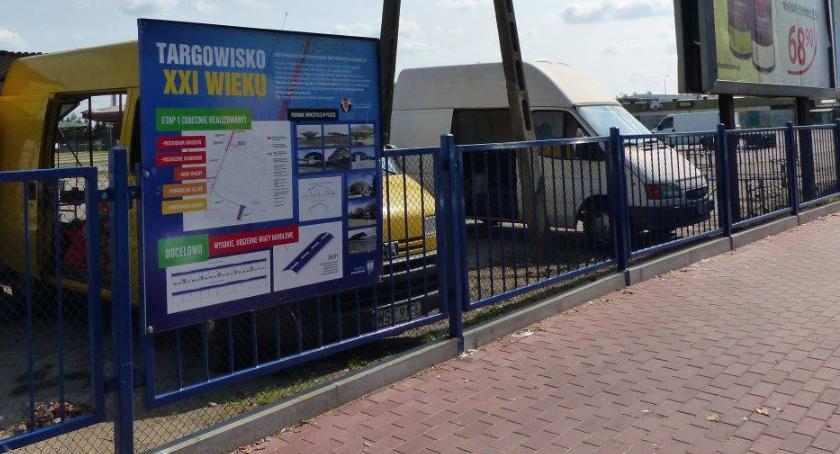 Inwestycje, Budowa wiaty targowej Łowiczu trzech przetargów sztuka - zdjęcie, fotografia