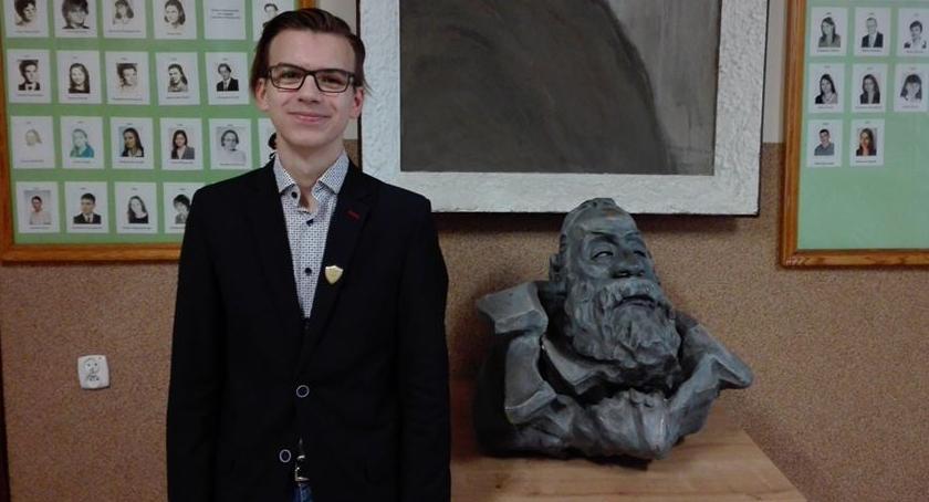 Edukacja, Szymon Rafał Czajka walczą tytuł finalisty konkursu fizycznego - zdjęcie, fotografia
