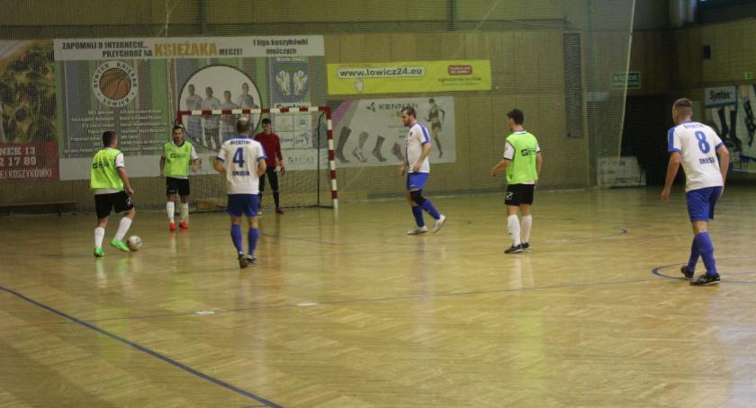 Piłka nożna, ŁoLiF wyniki weekendu grudnia - zdjęcie, fotografia