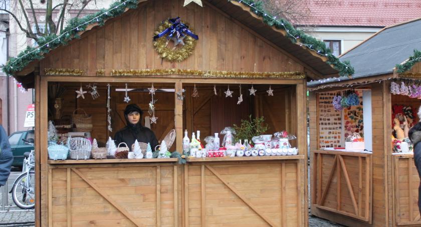 Urząd Miejski, drugi Łowicki Kiermasz Bożonarodzeniowy - zdjęcie, fotografia
