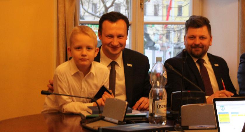 Urząd Miejski, Paweł Pięta objął mandat radnego Znamy skład wszystkich komisji - zdjęcie, fotografia