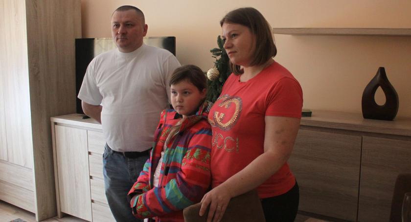 Urząd Miejski, Kolejna rodzina repatriantów przyjechała Łowicza - zdjęcie, fotografia