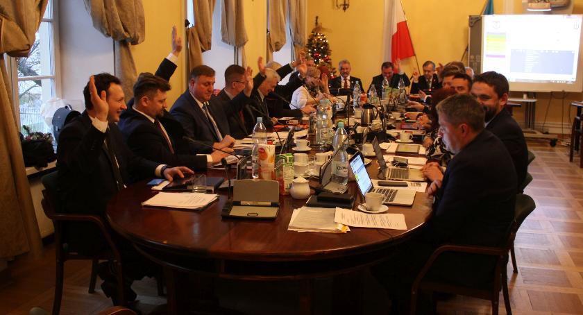 Urząd Miejski, Budżet Łowicza uchwalony - zdjęcie, fotografia