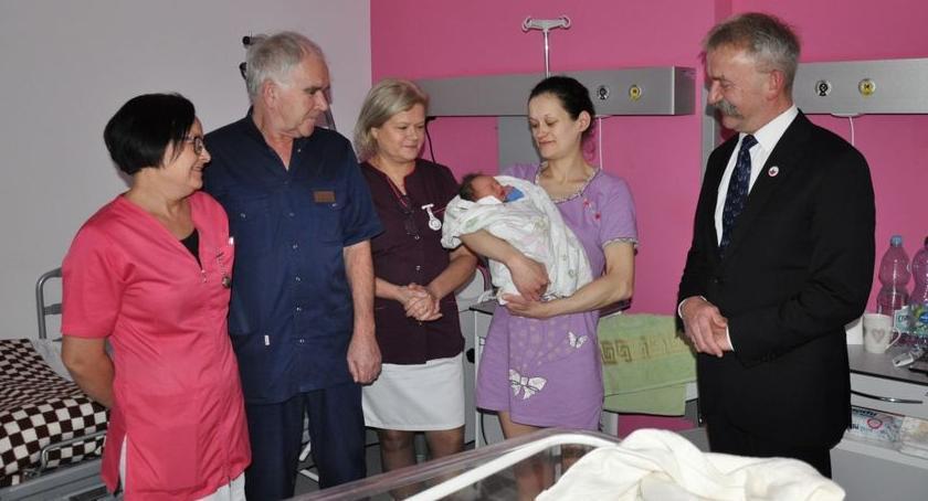 Szpital i opieka społeczna, Krzyś pierwszym dzieckiem urodzonym Łowiczu - zdjęcie, fotografia