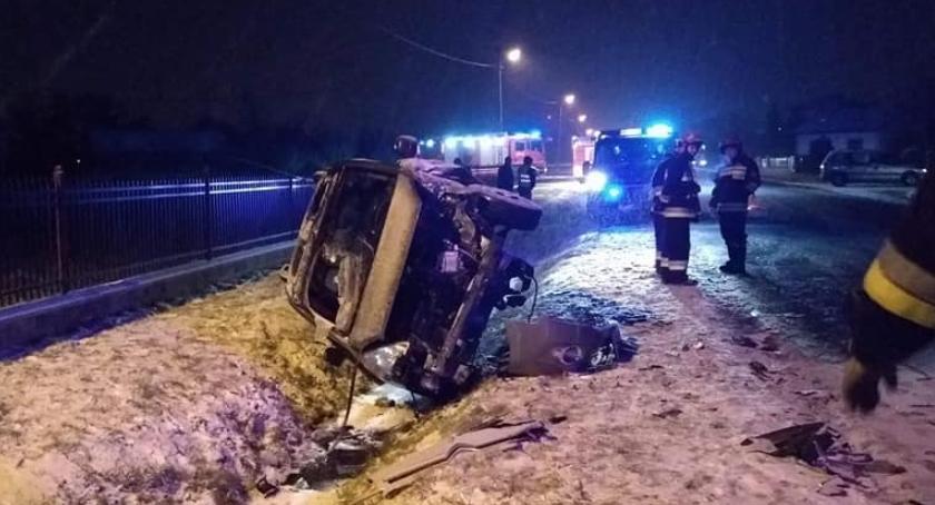 Wypadki i kolizje, Trudne warunki dały znaki kierowcom Liczne kolizje Łowiczu okolicach - zdjęcie, fotografia