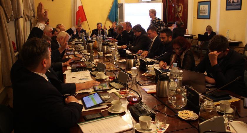 Urząd Miejski, Zmiany składach komisji Miejskiej Łowiczu - zdjęcie, fotografia