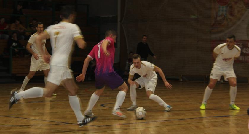 Piłka nożna, Łowicka Futsalu wyniki weekendu stycznia - zdjęcie, fotografia