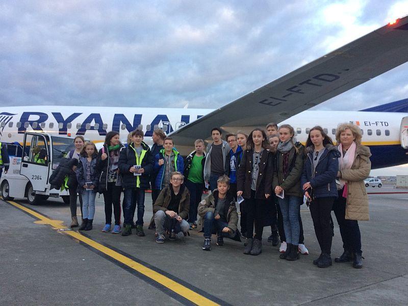 Edukacja, wycieczkę Gdańska polecieli samolotem - zdjęcie, fotografia