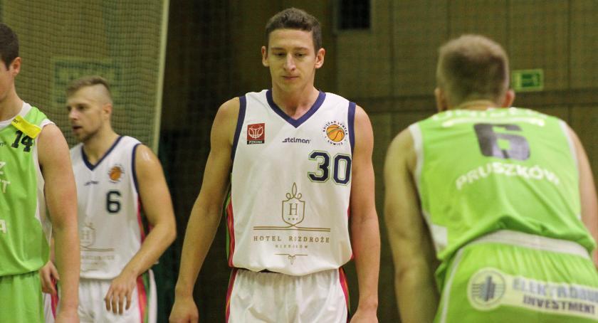 Koszykówka, wyjazdowa niemoc Księżaka Synteksu Łowicz - zdjęcie, fotografia