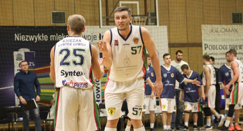 Koszykówka, Osłabiony Księżak Syntex liderowi - zdjęcie, fotografia
