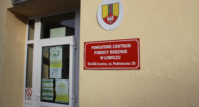 Starostwo Powiatowe, Władze powiatu łowickiego powołały dyrektora Łowiczu - zdjęcie, fotografia