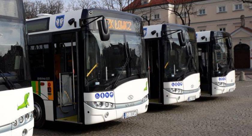 Urząd Miejski, Łowiczu czeka uwagi rozkładu jazdy - zdjęcie, fotografia