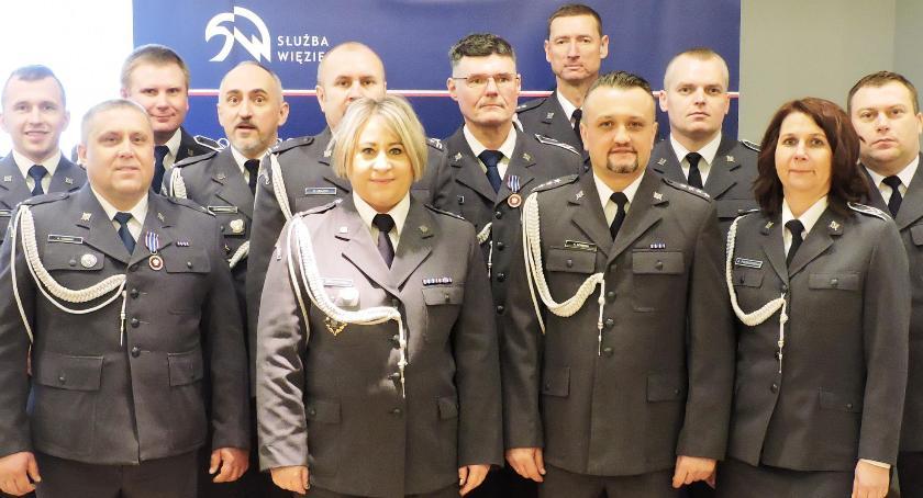Zza krat, Odznaczenia awanse funkcjonariuszy Łowiczu - zdjęcie, fotografia
