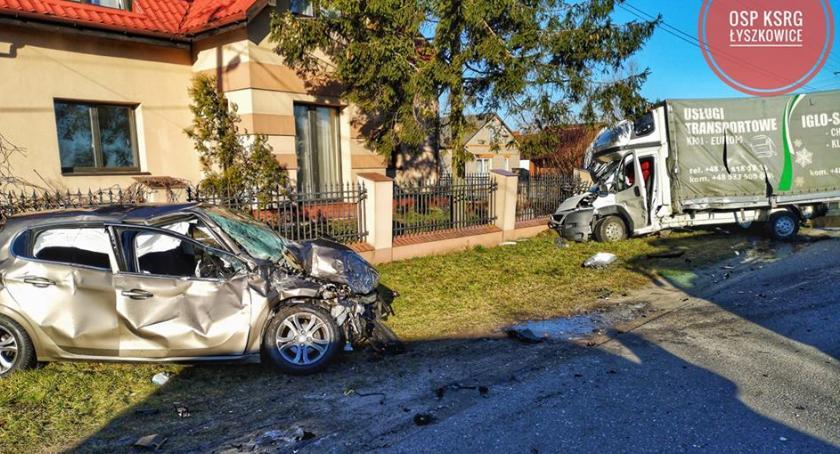 Wypadki i kolizje, letnia kobieta ucierpiała wypadku drogowym Zakulinie - zdjęcie, fotografia