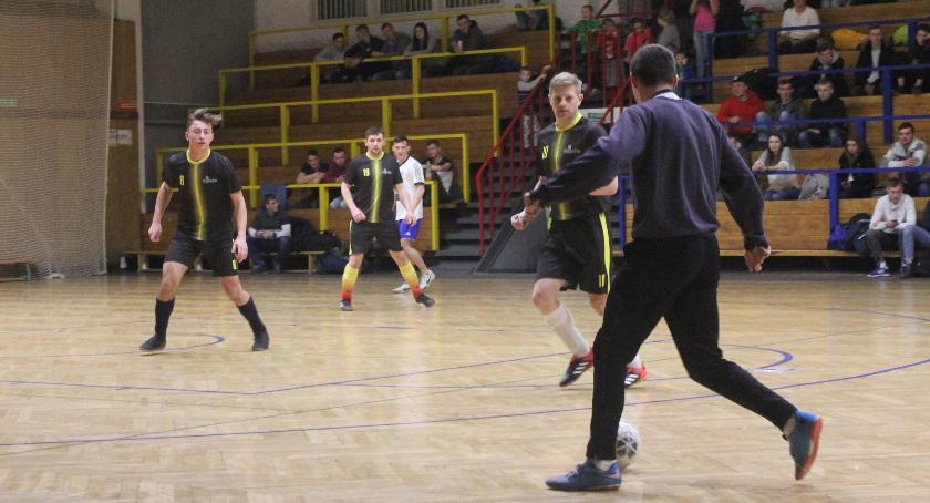 Piłka nożna, Łowicka Futsalu znamy półfinalistów rozgrywek Puchar - zdjęcie, fotografia