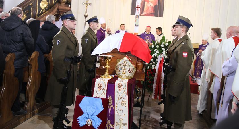 Kościół, Pogrzeb Alojzego Orszulika Łowiczu (DUŻO ZDJĘĆ VIDEO) - zdjęcie, fotografia