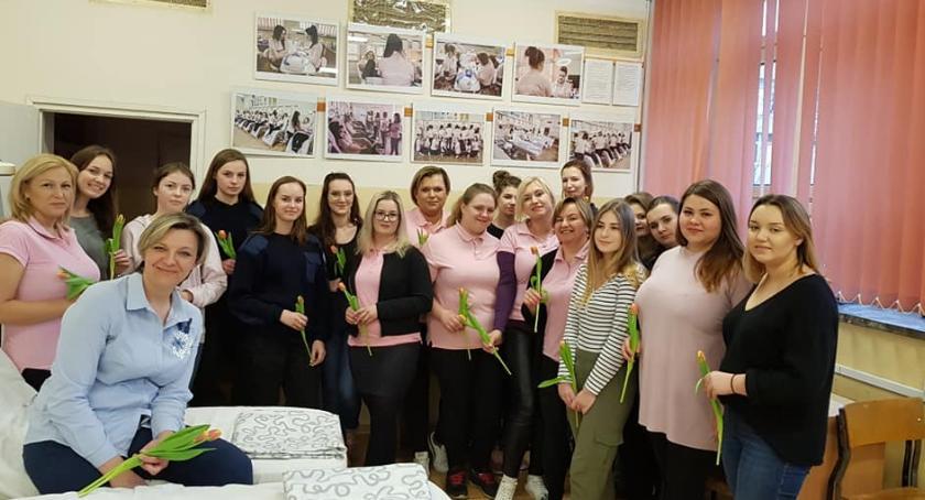 """Edukacja, Dzień Kobiet pracowni kosmetycznej """"Medyku"""" - zdjęcie, fotografia"""