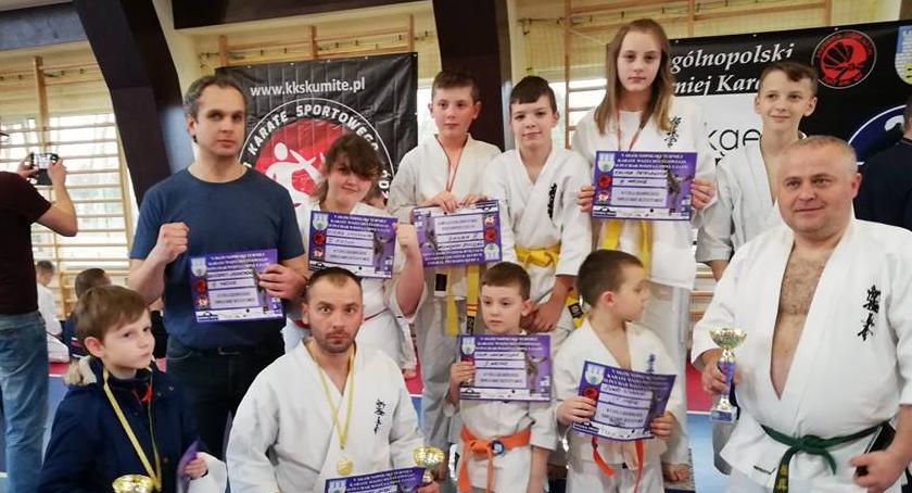 Sporty walki, medali łowickich karateków - zdjęcie, fotografia