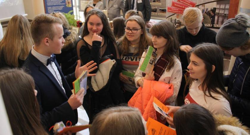 Edukacja, Zaproszenie Targi Edukacyjne Łowiczu - zdjęcie, fotografia
