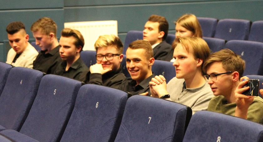 Edukacja, Drużyna Łowiczu triumfuje Łowickim Turnieju Debat Oksfordzkich (ZDJĘCIA) - zdjęcie, fotografia