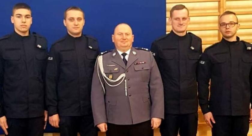 Komunikaty policji , policjanci Łowiczu złożyli ślubowanie - zdjęcie, fotografia