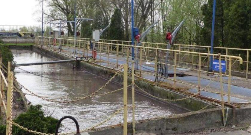 Urząd Miejski, Władze Łowicza unieważniły przetarg modernizację oczyszczalni ścieków - zdjęcie, fotografia