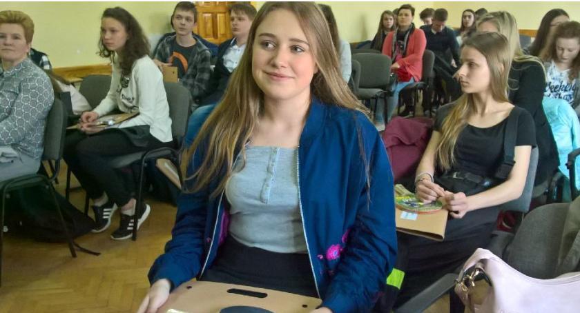 Edukacja, Uczennica stypendystką Prezesa Ministrów - zdjęcie, fotografia