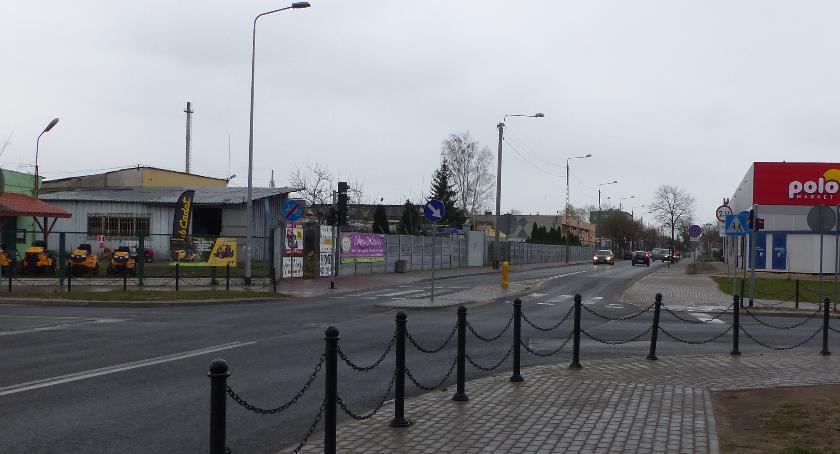 Urząd Miejski, Alternatywna droga tirów Przedmieściu Zarząd osiedla mieszkańcy apelują władz Łowicza - zdjęcie, fotografia