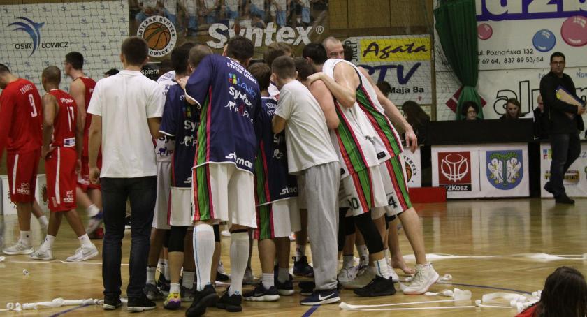 Koszykówka, Księżak Syntex kończy rundę zasadniczą transmisji meczu Czarnymi Słupsk - zdjęcie, fotografia